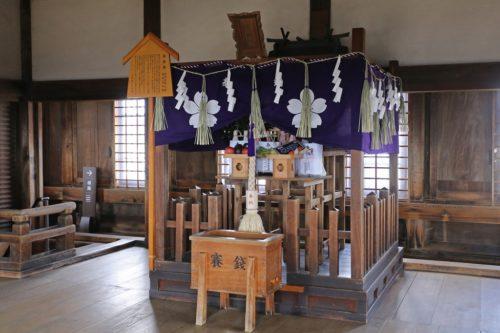 現在の姫路城天守の最上階にある刑部神社